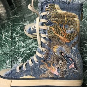 BAKERS EMBROIDERED HIGH TOP BLUE SNEAKERS SIZE 5